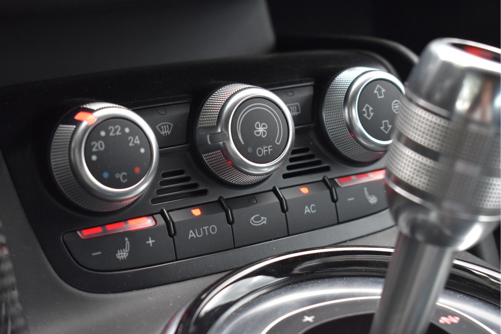 Audi-R8-65
