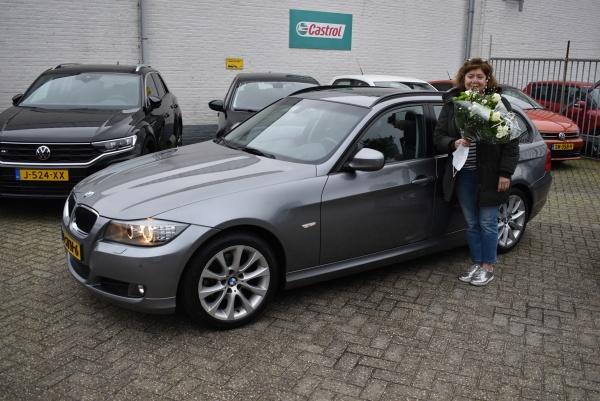 Aflevering BMW 318i station