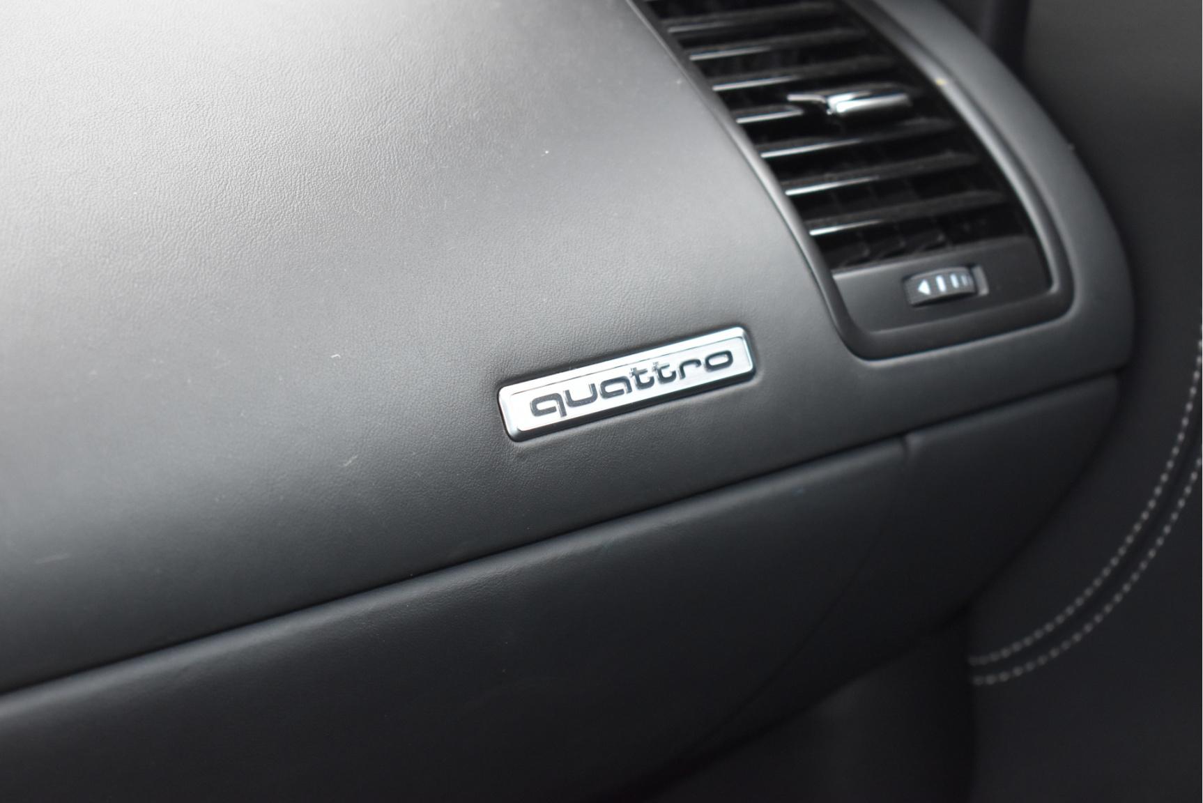 Audi-R8-68