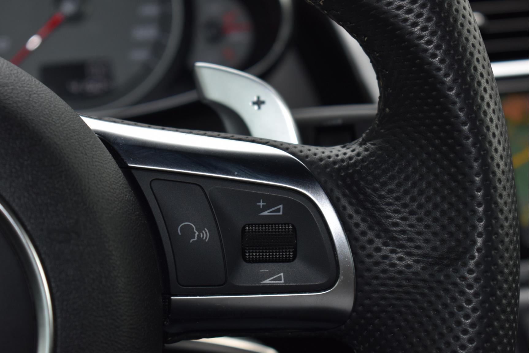 Audi-R8-55