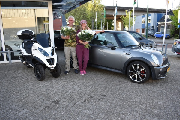 Aflevering Mini Cooper S / Piaggio MP3 Sport