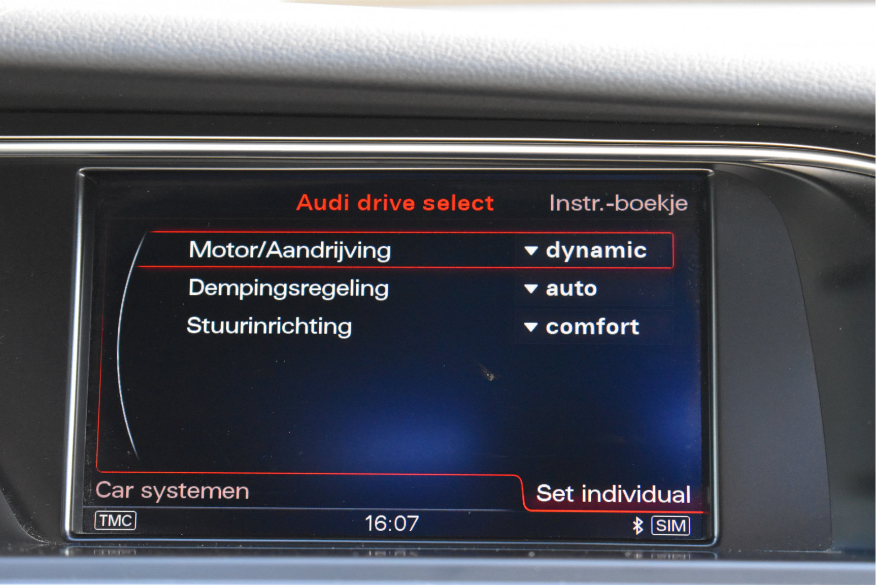 Audi-A4-50