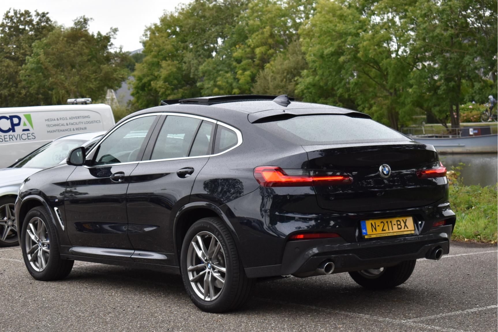 BMW-X4-13