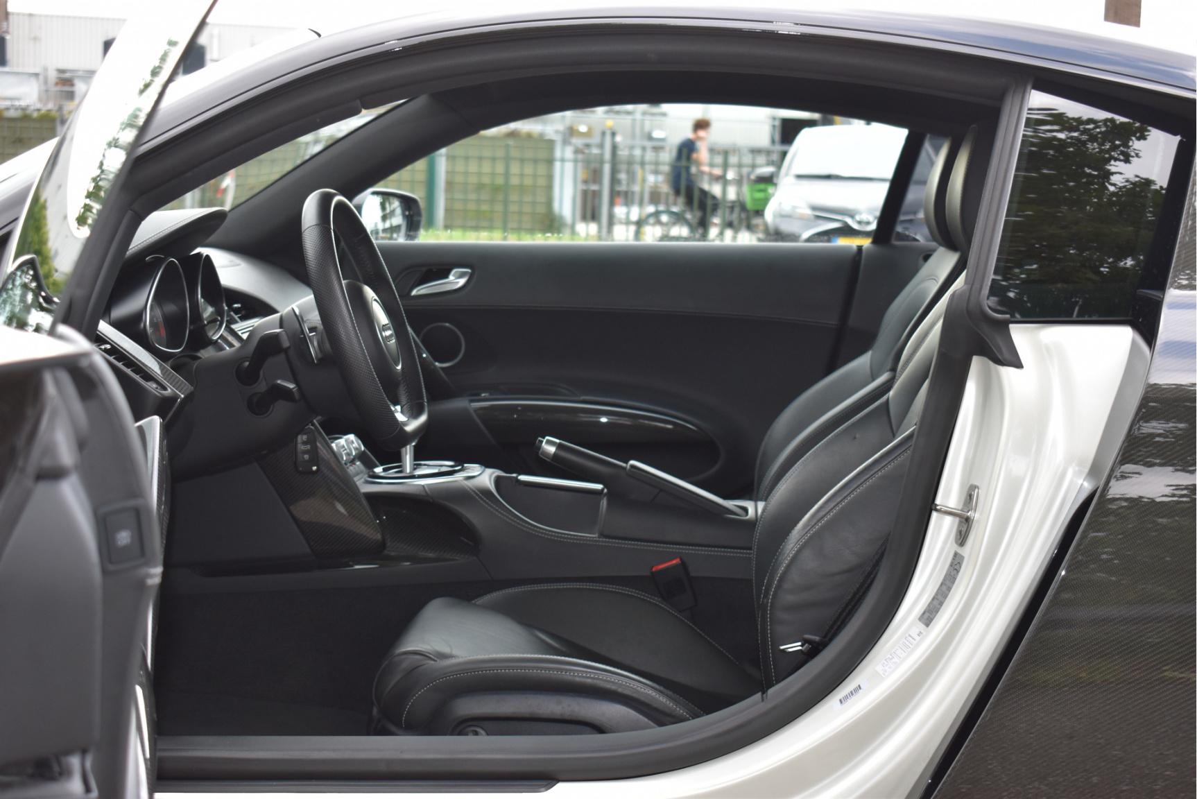 Audi-R8-44